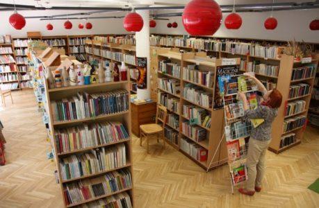 Wnętrza biblioteki na Żytniej